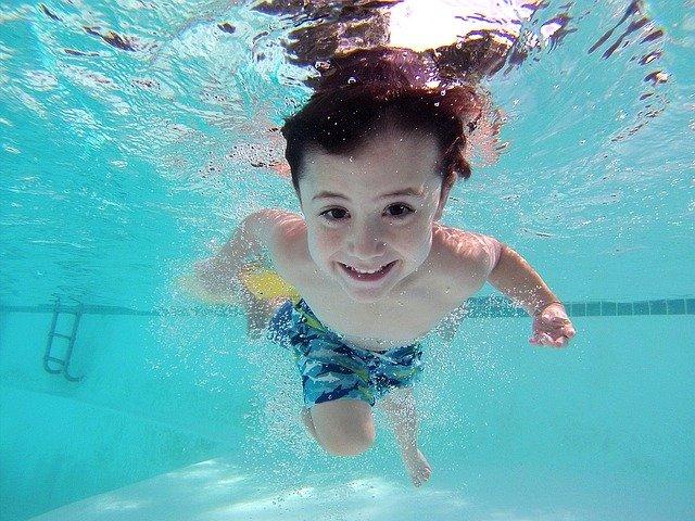 montažni bazeni otrok